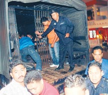 the-truck-of-detainees